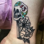 Accented Skeleton Head